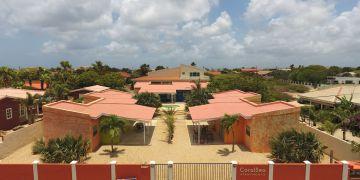 Kaya Uranus, Coral Sea Apartments