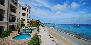 Elegancia del Caribe 10, Kaya Gob. N. Debrot 13