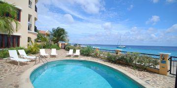 Elegancia del Caribe 17, Kaya Gob. N. Debrot 13